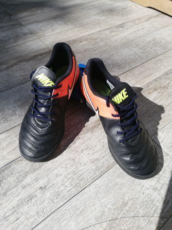Vând pantofi Nike mărimea 36