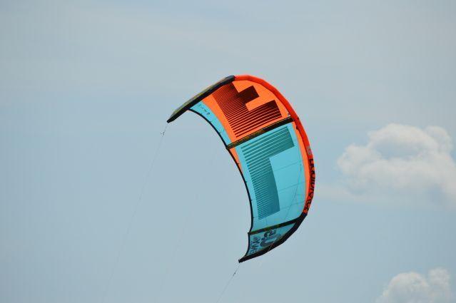 Zmeu de tractiune/Kite Liquid Force Envy 10.5