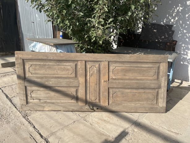 Продается деревяная дверь