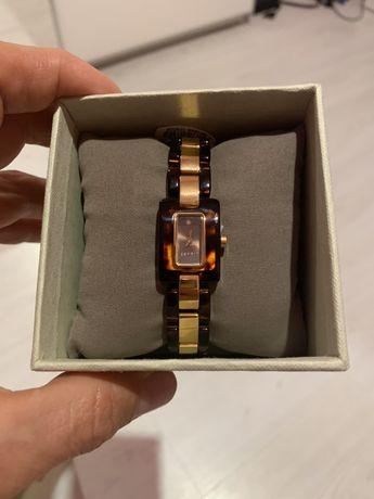 Дамски часовник ESPRIT.