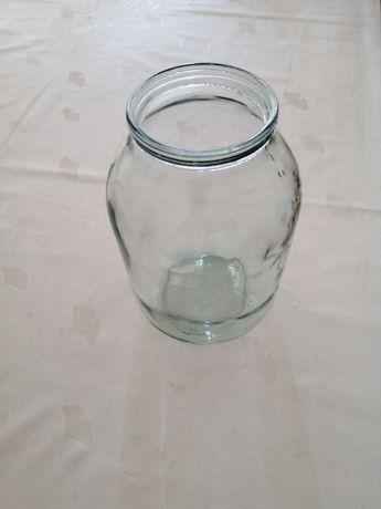 Продам банки стеклянные, 2-х литровые.