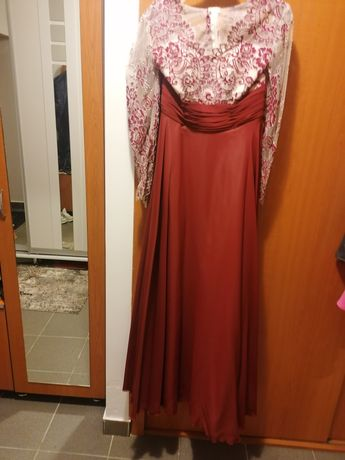 Vând rochie dama