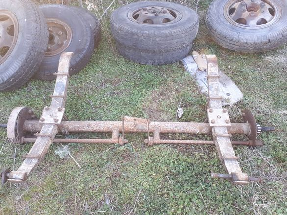 ресори оси и главини от 4тонно ремарке - фургон