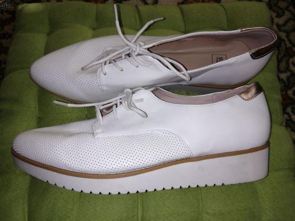 Елегантни обувки с лека платформа 41н