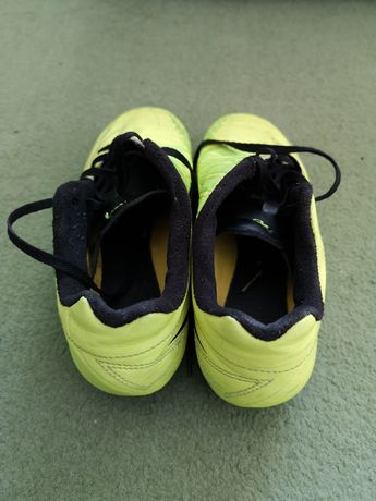 Футболни обувки Nike T90. Естествена кожа.