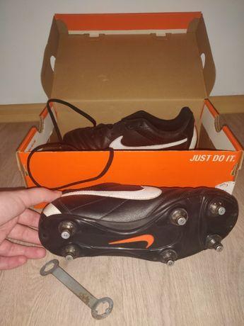 Adidasi de fotbal cu crampoane pentru baieti