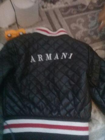 Продам курточку 2000 на мальчика