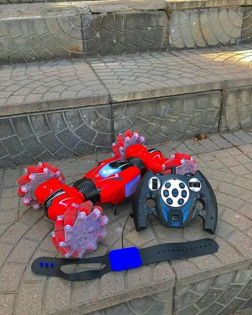 Машина игрушка с ручным управлением
