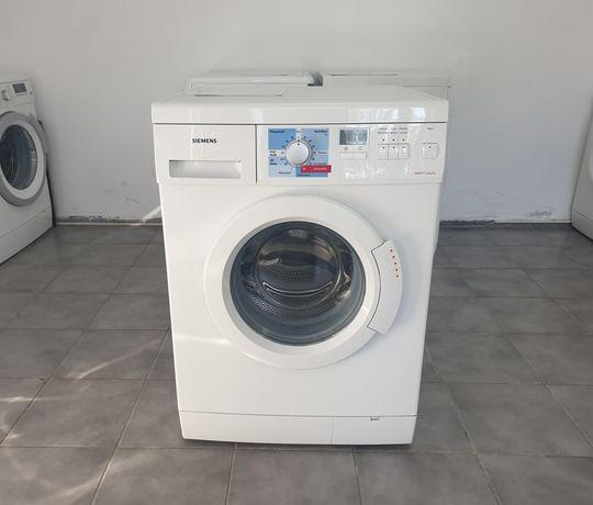 Mașină de spălat rufe Siemens.