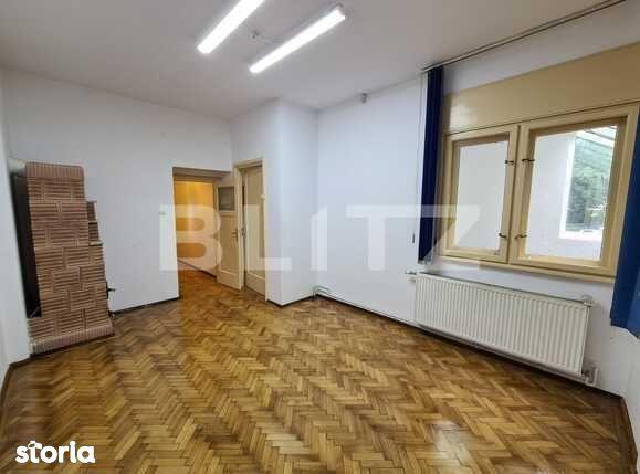Apartament 5 camere, pretabil sediu firmă, zona Hyperion