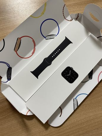 Продаются apple watch SE (40MM)