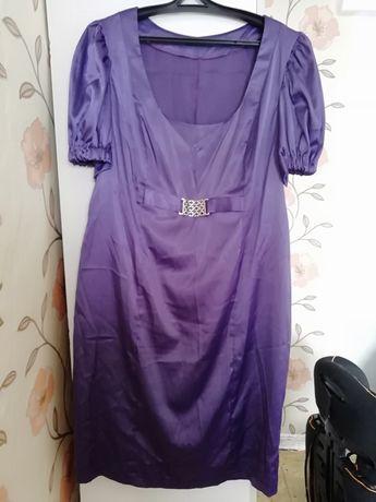 Продам платья на размер 52-54