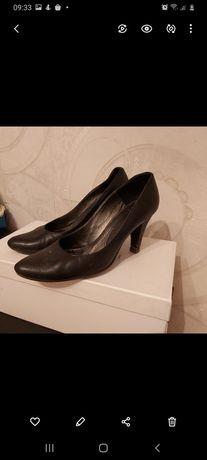 Туфли из натуральной кожи 38р
