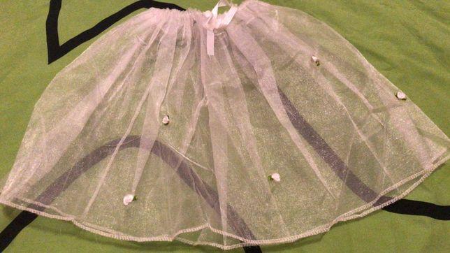 Нежная юбочка с розочками и бантиком на 3-6 лет