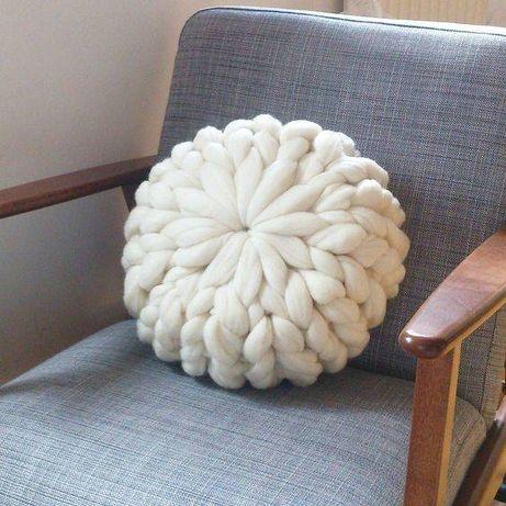 Ръчно плетени възглавнички от 100% мериносова вълна