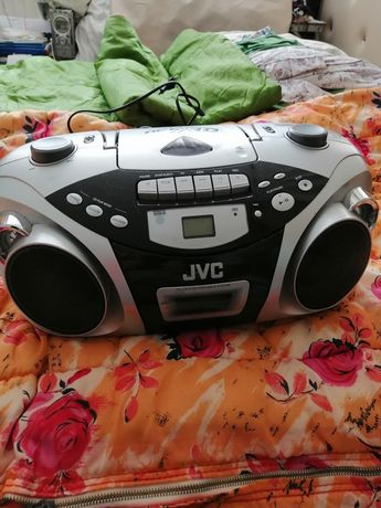 JVC radiocasetofon cu CD