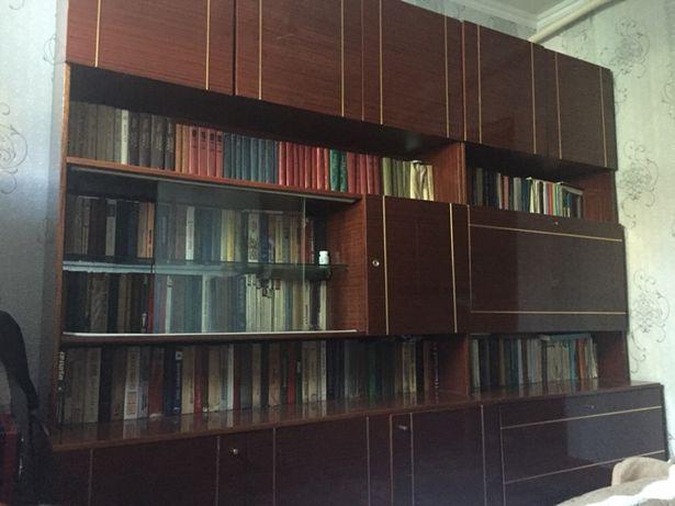 Продам книжную стенку, в отличном состоянии