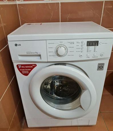 Срочно продам стиральный машына LG 30000