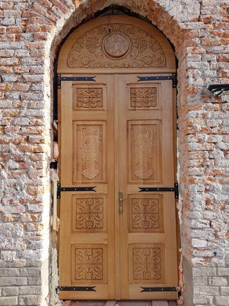 Ușa, Uși Biserica