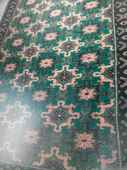 ръчно тъкан килим от естествена вълнен плътен с размери 300х400 см