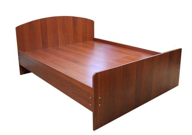 Продам двуспальную кровать с матрацом