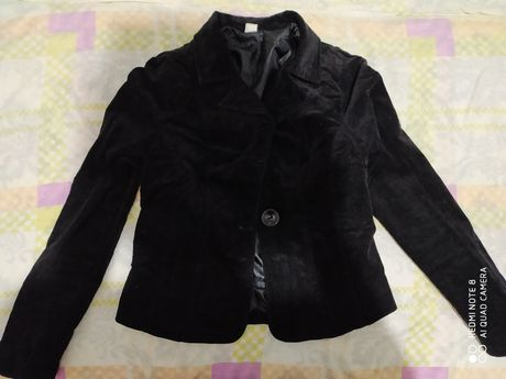Продаю черный вельветовый пиджак