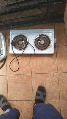 Продам две 2х камфорные плиты