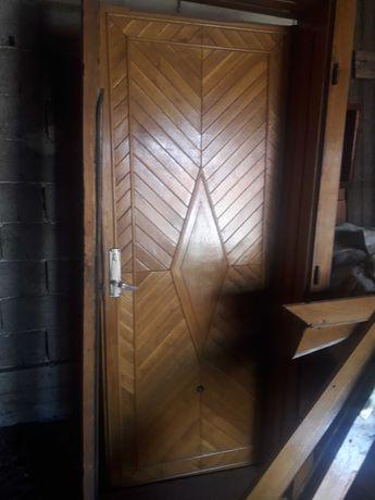 Ușă intrare casă