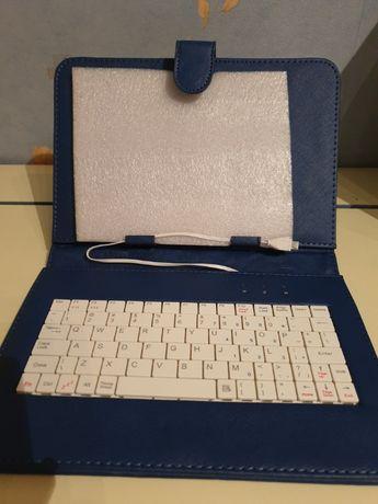 Калъф за таблет с клавиатура