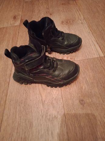 Продам Детская осеннею обувь