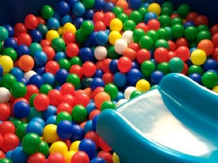 Полиетиленови топки