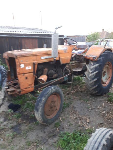 Bloc motor si ambreaj tractor Fiat 615