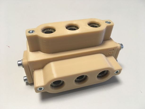 Sablon mobila din plastic dur bej forma U pentru cepi lemn 8mm v.1.0