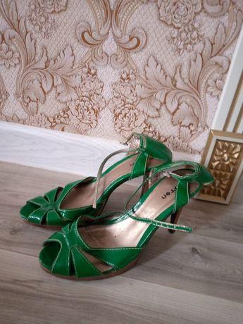 Продам женские обуви