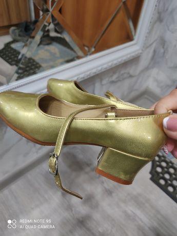 Танцевальные туфли 4000тг.  г. Жезказган
