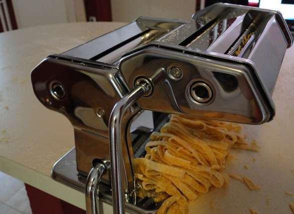 Машина за приготвяне на домашна прясна паста Inox. Нови !