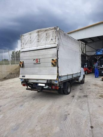 Транспортни и хамалски услуги професионално преместване товарно такси.