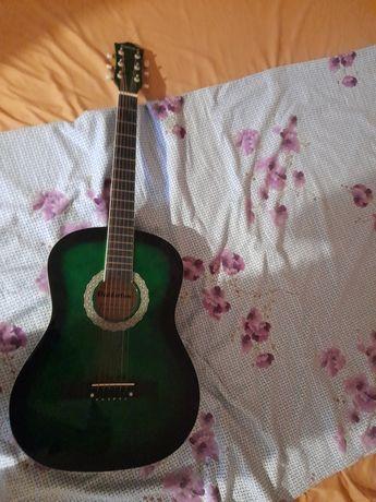 Гитара продаю DAIDERTON