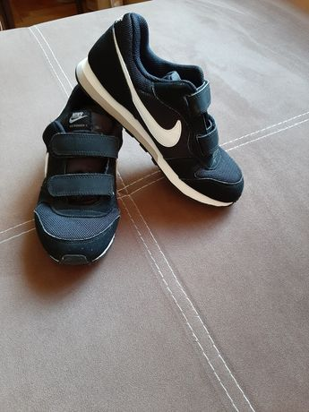 Маратонки за момче Nike