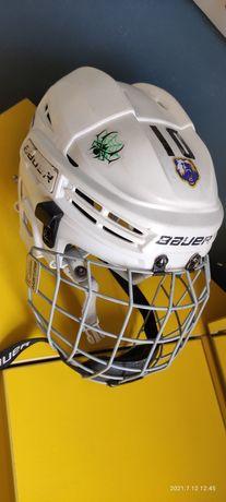 Хоккейный шлем фирмы Bauer
