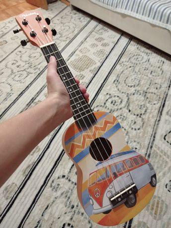 Продам укулеле в хорошем состоянии,есть чехол в комплекте и учебник