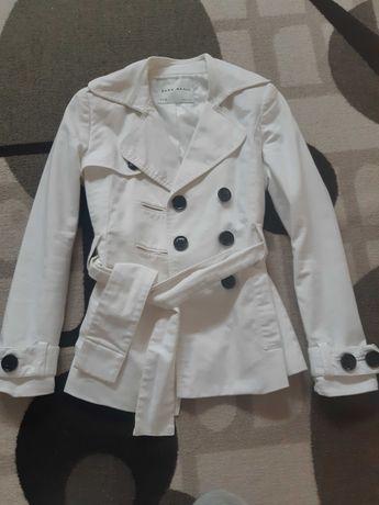 Страхотно бяло палто Zara бяло!