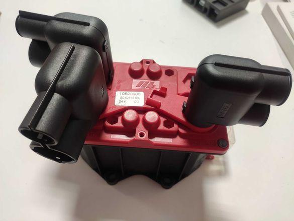 Iveco Stralis модел:10829600  24V 9G Ключ Маса