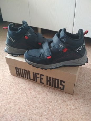 Ботинки демисезонные (кроссовки)