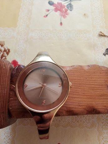 Дамски часовник на AVON