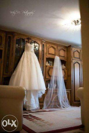 Vand rochie mireasa Allure Bridals model P 969