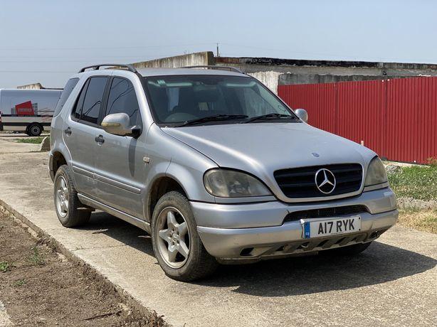 Dezmembrez Mercedes Ml270 w163 2.7CDI