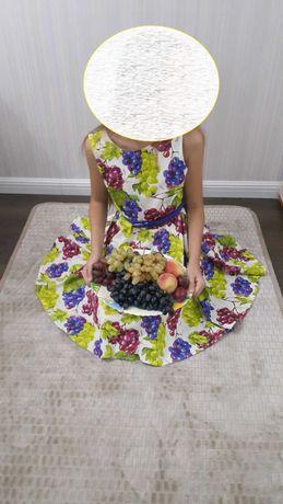 Красивое платье на девочку Виноград