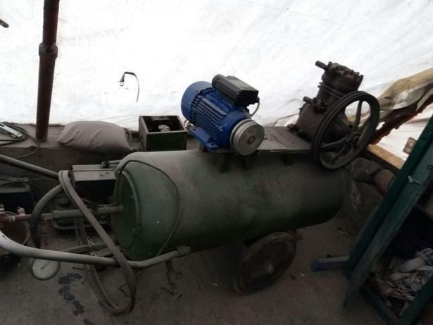 Compresor 350l cu motor nou 3 kw la 220