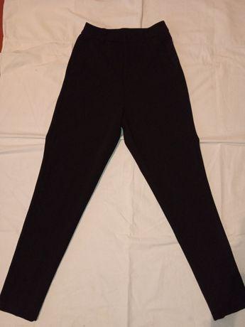 Срочно продам школьные штаны